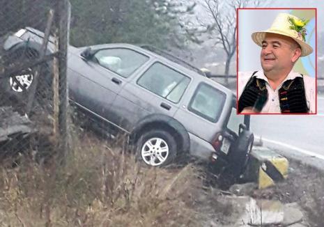 """Accident, pe DN 1: Cântăreţul de muzică populară Cornel Borza a zburat cu maşina peste un gard. """"Scula rea nu piere!"""" (FOTO)"""