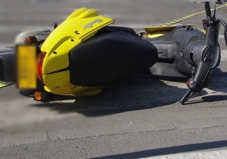 Un puştan călare pe un moped a rănit un copil şi a fugit de la locul accidentului