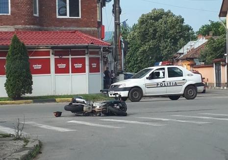 Accident grav la Beiuș: Un motociclist a ajuns în stare gravă, după ce a intrat frontal într-un autobuz!