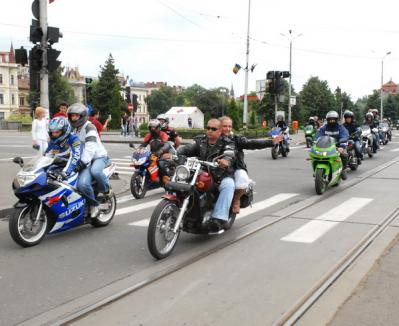Caravana motocicliştilor care vor respect trece prin Oradea