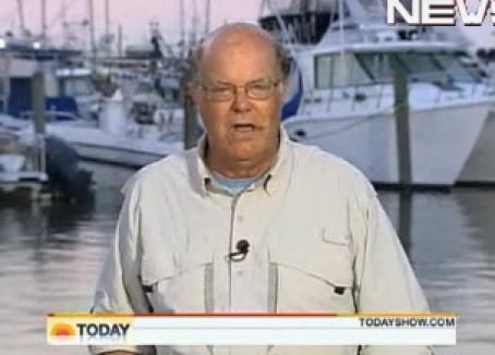 Un reporter NBC înghite o muscă uriaşă în direct (VIDEO)