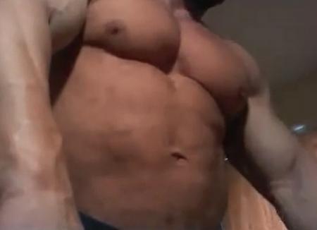 Ce faci cu mâna ta: Proprietarul unei săli de sport din Oradea, vedetă porno pe un site XXX