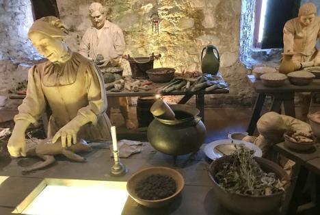 """Orădenii, invitați la vernisajul expoziției """"Bucătăria medievală. Răsfăț culinar la curtea principilor Transilvaniei"""""""