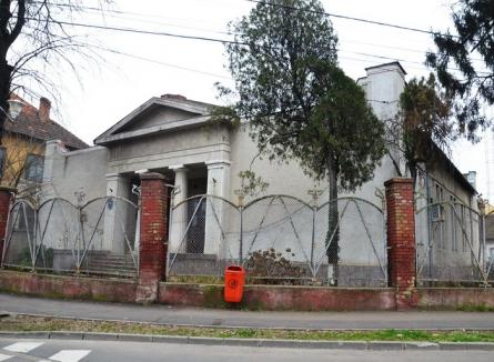 Clădirea Vămii Oradea a fost transmisă municipalităţii pentru amenajarea unui muzeu al masoneriei