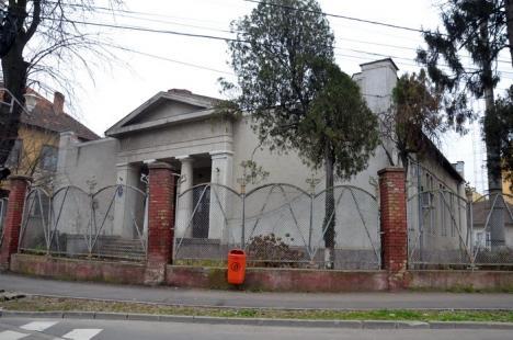 Fosta clădire a Vămii Oradea ar putea deveni primul muzeu al masoneriei din România