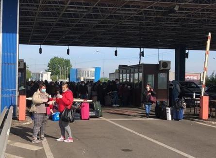 Aglomeraţie în vamă: La Nădlac, şoferii aşteaptă mai bine de cinci ore la intrarea în ţară (VIDEO)