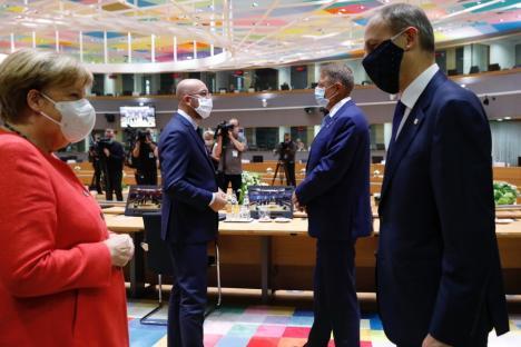 Liderii europeni au ajuns la un acord. 80 de miliarde de euro pentru 'reconstrucţia României' (VIDEO)