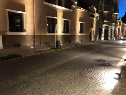 Ne enervează: Sistemul de iluminat de pe strada Aurel Lazăr din Oradea a rămas defect (FOTO)