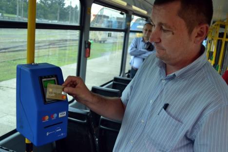 Clienții OTL își vor cumpăra bilete cu cardul, direct din autobuz sau tramvai!
