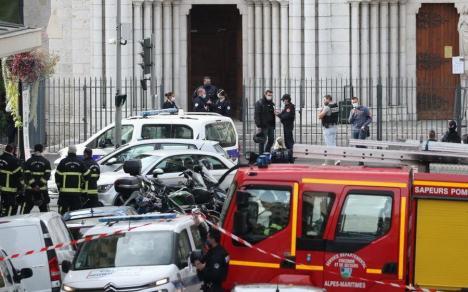 Teroare în Franţa. Trei persoane au fost omorâte, joi, într-o catedrală din Nisa de un tânăr care a strigat 'Allah Akbar'. Au urmat şi alte atacuri