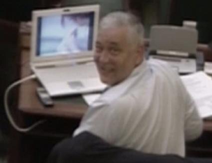 Senatorul se holba la filme porno! (VIDEO)