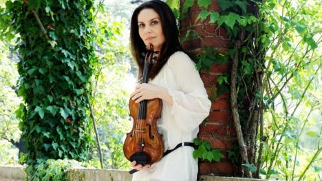 Violonista Nina Karmon urcă pe scena Filarmonicii din Oradea
