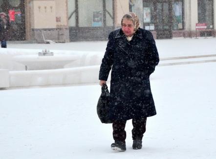Meteorologii avertizează: Vin ploi şi ninsori în toată ţara