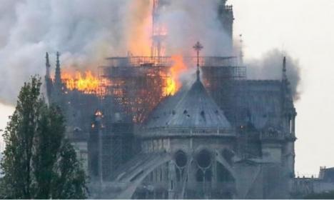 Incendiu devastator: Catedrala Notre Dame a luat foc! (FOTO / VIDEO)