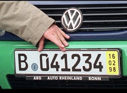 Atenţie, şoferi: Maşinile cu numere provizorii din Germania şi Ungaria nu pot intra pe roţi în România