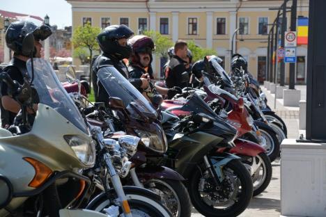 Cu motoarele turate, la Primărie: Sezonul motociclistic a fost deschis la Oradea cu o nuntă de bikeri (FOTO/VIDEO)