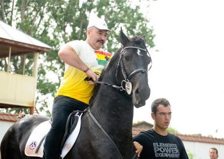Nuţu Cămătaru a ieşit pe cal din puşcărie