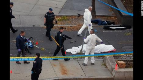 Atac terorist la New York: Un bărbat a intrat cu maşina pe o pistă de biciclete, omorând 8 persoane şi rănind 11 (FOTO/VIDEO)