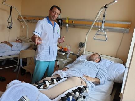 Lasă cârja și umblă! Un bolnav scapă de cârje în timp record, printr-o operație revoluționară în premieră pentru vestul țării, la Oradea! (FOTO / VIDEO)