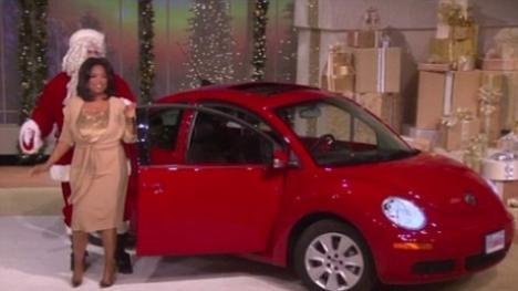 Oprah le-a dat celor 275 de spectatori ai emisiunii câte o maşină!