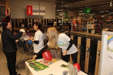 O oră de linişte, din respect pentru autişti, în toate magazinele Kaufland, la iniţiativa Centrului de Educaţie Incluzivă Cristal (FOTO)