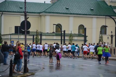 Circa 800 de concurenţi au luat startul la Oradea City Running Day. Vezi LIVE cursele! (FOTO/VIDEO)