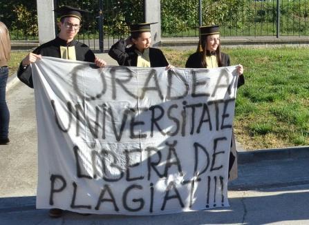 Studenţii orădeni, nemulţumiţi că Universitatea vrea să o facă profesoară pe Daniela Ionescu: 'Este inadmisibil, ruşinos'