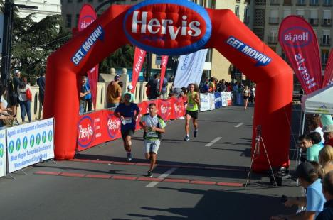 Oradea City Running Day IX. Peste 800 de sportivi au luat duminică startul de la podul Sfântul Ladislau (FOTO/VIDEO)