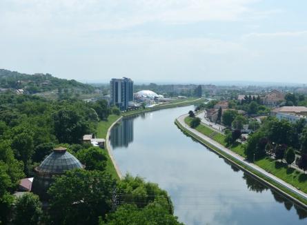 """Primăria Oradea se contrazice în acte: USR o acuză că ne-a pus """"pe cap"""" mai mult spaţiu verde decât în realitate"""