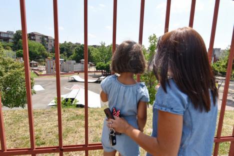 Orădenii cer redeschiderea Orăşelului Copiilor, ţinut sub lacăt din martie 2020. Vezi ce răspund autoritățile! (FOTO)