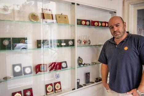 Fotograful orădean Ovi D. Pop a adunat doar anul acesta 11 medalii la saloane internaţionale