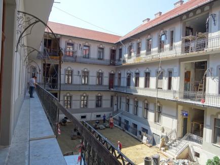 Casa Venețiană din centrul Oradiei a ieşit de sub schele (FOTO)