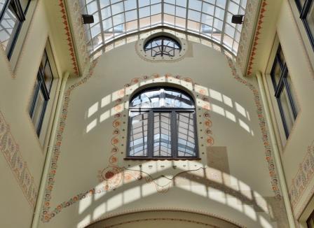 Vânătoare de detalii: Părinţi şi copii, invitaţi să descopere amănuntele clădirilor Art Nouveau din Oradea