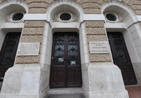 La instanţă, ca la frontieră: Persoanele care intră în Palatul de Justiţie vor completa declarații pe proprie răspundere