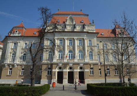 Judecători ai Curţii de Apel Oradea cer Parlamentului o lege care să permită revocarea membrilor Consiliul Superior al Magistraturii