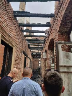 Pozele dezastrului: Au fost date publicității primele imagini din interiorul Palatului Episcopiei Greco-Catolice după incendiu (FOTO)