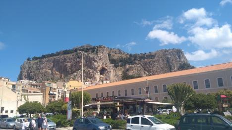 Mai bine cu Mafia. Poveste din Sicilia (FOTO)