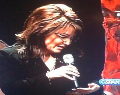 Sarah Palin răspunde după notiţele din palmă (VIDEO)