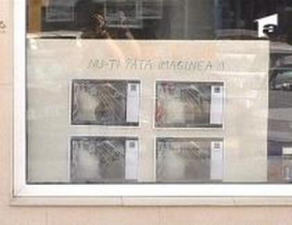 'Panoul ruşinii', sistem anti-furt la un magazin din Iaşi (VIDEO)