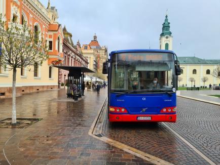 Primul panou de informare complet autonom al OTL a fost pus în funcţiune în Piaţa Unirii din Oradea. Vezi cum arată! (FOTO)