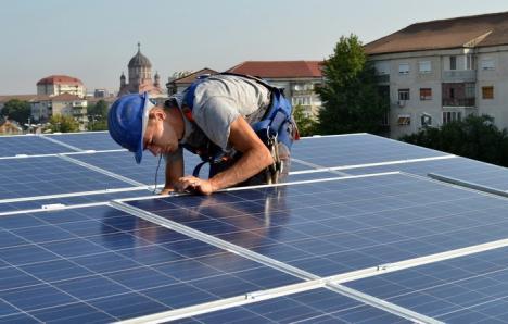 Primele liste la 'Casa Verde': 28 de bihoreni vor primi bani pentru panouri solare sau pompe de căldură