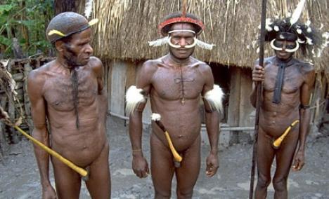 Papuaşii cu penis mărit n-au voie să devină poliţişti