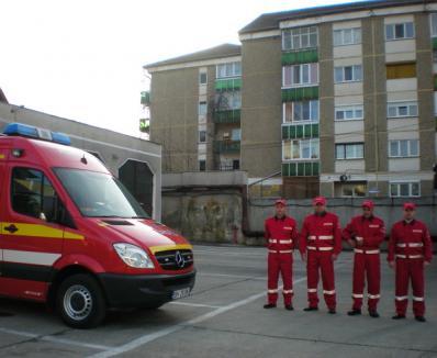 Încă un echipaj de paramedici e pregătit să salveze orădenii (FOTO)
