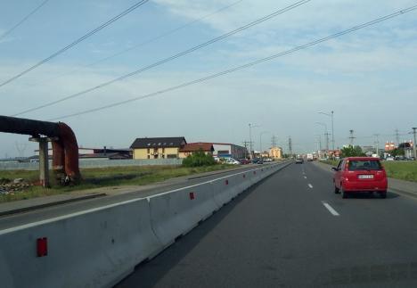 Sensurile şoselei de centură din Oradea, delimitate cu parapeţi de beton (FOTO)