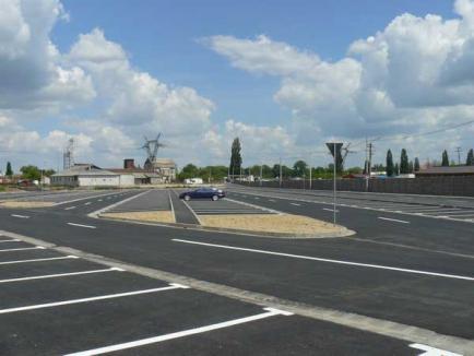 Cele aproape 400 de locuri de parcare din zona Real au fost finalizate