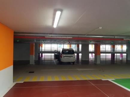 S-a deschis parcarea supraetajată de pe strada Braşovului (FOTO)