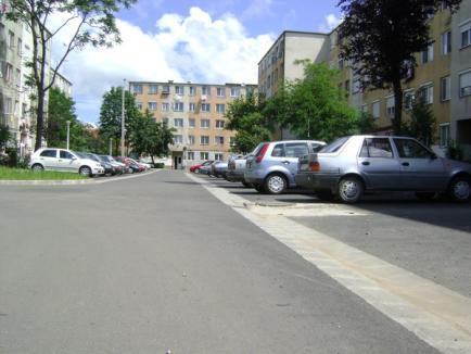 Peste 500 de locuri de parcare pentru orădenii de la bloc