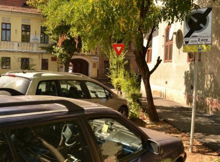 Primăria Oradea îşi loveşte angajaţii: A pus GPS-uri pe maşini şi introduce parcările de 2 ore pe strada Episcop Mihai Pavel