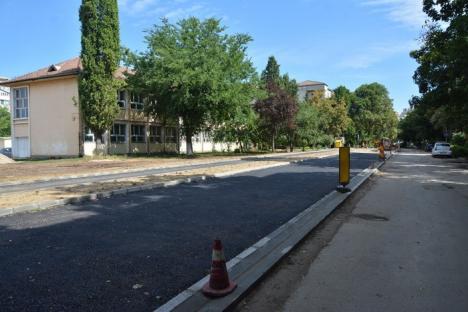 Alte 800 de parcări: Primăria Oradea amenajează un drum de legătură cu sens unic între străzile Shakespeare şi Poieniţei (FOTO)