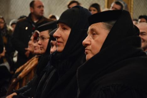 Arhiplină: Conferinţa despre familie, susţinută de preotul Constantin Necula, a umplut Catedrala Ortodoxă (FOTO/VIDEO)